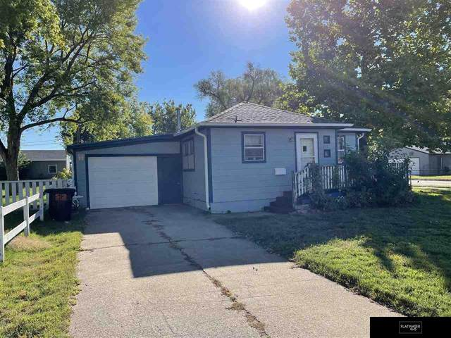 319 S East Street, Valley, NE 68064 (MLS #22123882) :: Berkshire Hathaway Ambassador Real Estate