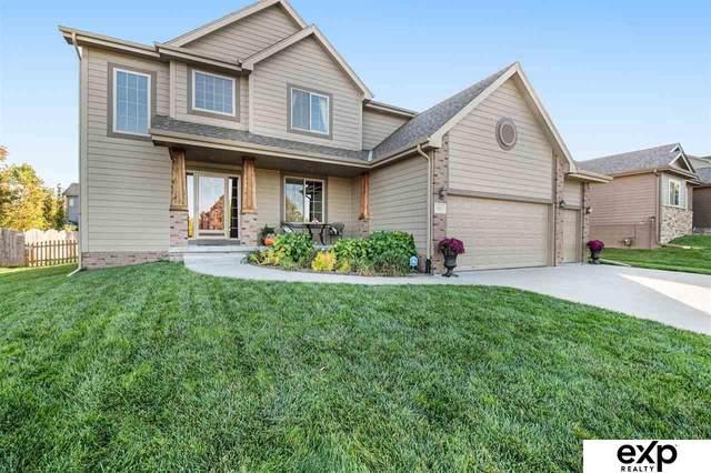 17211 S Street, Omaha, NE 68135 (MLS #22123883) :: Lincoln Select Real Estate Group