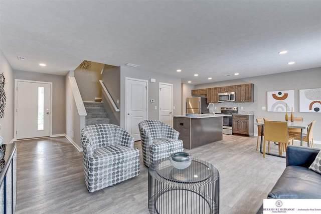17014 Hawthorne Avenue, Omaha, NE 68118 (MLS #22123970) :: Elevation Real Estate Group at NP Dodge