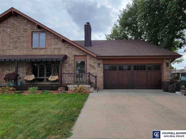 1051 W Elm Street, York, NE 68467 (MLS #22123982) :: Lincoln Select Real Estate Group