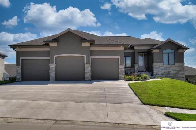 10819 S 176 Street, Omaha, NE 68136 (MLS #22124018) :: Lincoln Select Real Estate Group