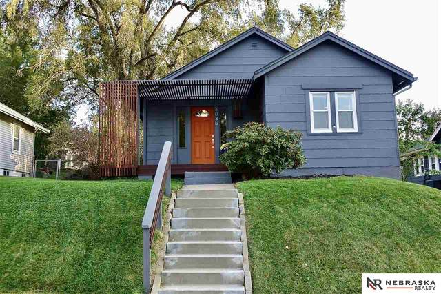 6035 Pine Street, Omaha, NE 68106 (MLS #22124045) :: Lincoln Select Real Estate Group