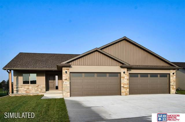 1032 N 105th Street, Lincoln, NE 68527 (MLS #22124082) :: Elevation Real Estate Group at NP Dodge