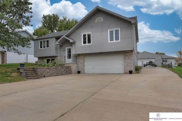 4930 Logan Lane, Omaha, NE 68157 (MLS #22124152) :: Cindy Andrew Group