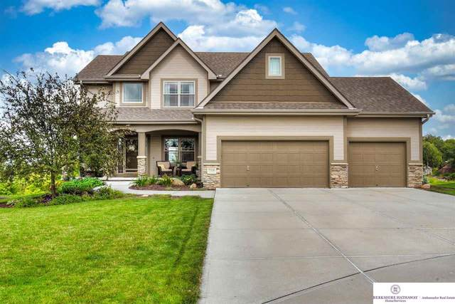 7326 Leawood Circle, Papillion, NE 68046 (MLS #22124279) :: Lincoln Select Real Estate Group