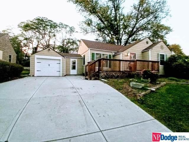 7280 Minne Lusa Boulevard, Omaha, NE 68112 (MLS #22124314) :: Lincoln Select Real Estate Group