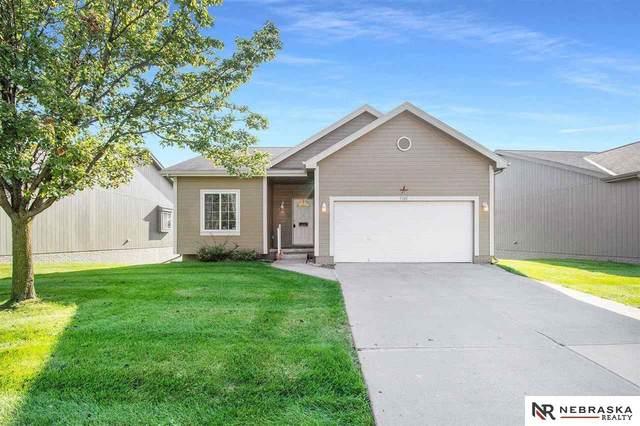 7383 N 77th Avenue, Omaha, NE 68122 (MLS #22124331) :: Omaha Real Estate Group