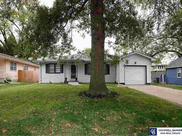 5320 Fowler Avenue, Omaha, NE 68104 (MLS #22124352) :: Lincoln Select Real Estate Group