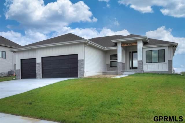 18503 Locust Street, Elkhorn, NE 68022 (MLS #22124353) :: Cindy Andrew Group