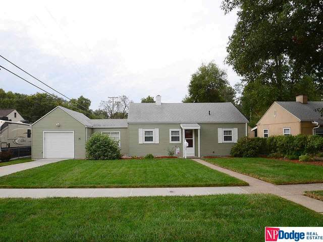 6751 Charles Street, Omaha, NE 68132 (MLS #22124362) :: Berkshire Hathaway Ambassador Real Estate