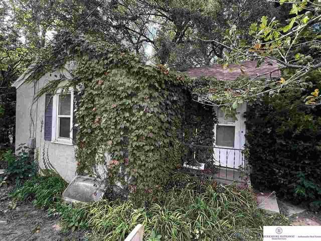 5215 Pinkney Street, Omaha, NE 68104 (MLS #22124377) :: Don Peterson & Associates