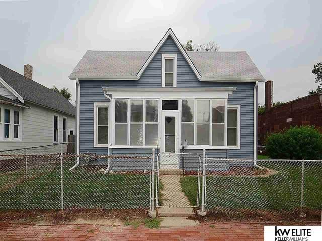 2106 Lake Street, Omaha, NE 68110 (MLS #22124379) :: Omaha Real Estate Group