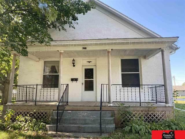621 Fraiser Street, Beemer, NE 68716 (MLS #22124398) :: Lincoln Select Real Estate Group