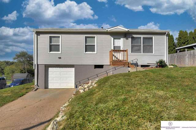 2218 Emiline Street, Bellevue, NE 68147 (MLS #22124442) :: Berkshire Hathaway Ambassador Real Estate
