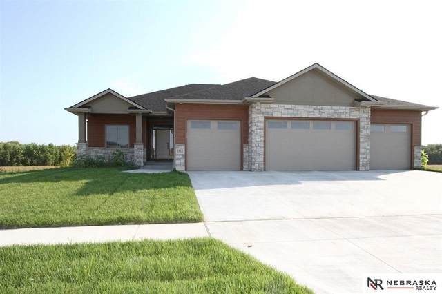 1701 W Snowshoe Drive, Lincoln, NE 68521 (MLS #22124465) :: Lincoln Select Real Estate Group