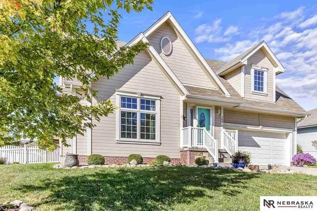 10018 S 201st Street, Gretna, NE 68028 (MLS #22124466) :: Lincoln Select Real Estate Group