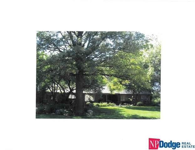 2101 Mullen Road, Omaha, NE 68124 (MLS #22124482) :: Lincoln Select Real Estate Group