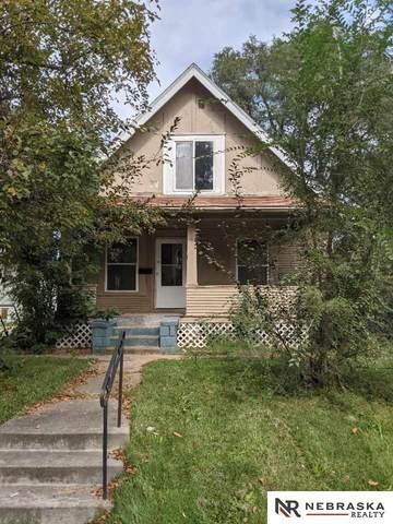 2748 Camden Avenue, Omaha, NE 68111 (MLS #22124508) :: Lincoln Select Real Estate Group