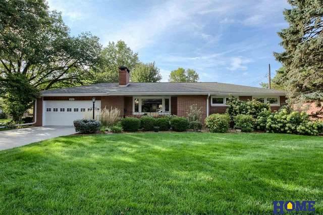 4621 Mohawk Street, Lincoln, NE 68510 (MLS #22124513) :: Lincoln Select Real Estate Group