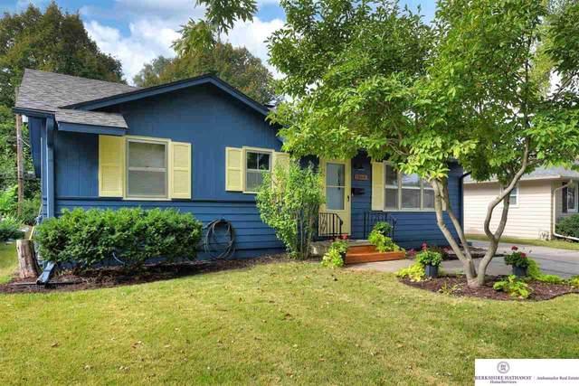 1864 N 84 Street, Omaha, NE 68114 (MLS #22124519) :: Lincoln Select Real Estate Group