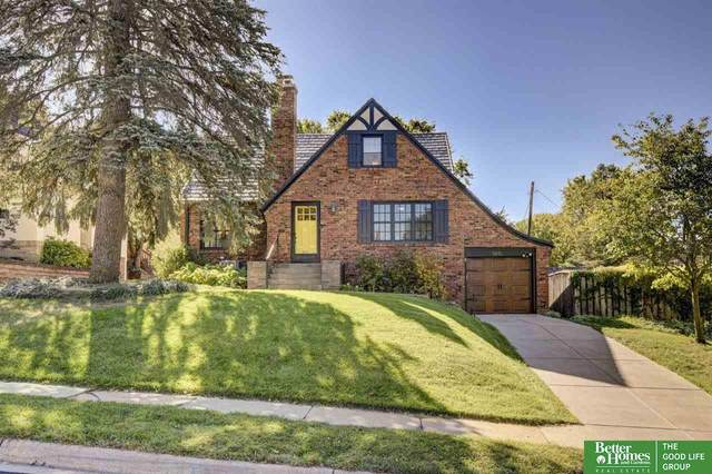 5815 Nicholas Street, Omaha, NE 68132 (MLS #22124598) :: Berkshire Hathaway Ambassador Real Estate