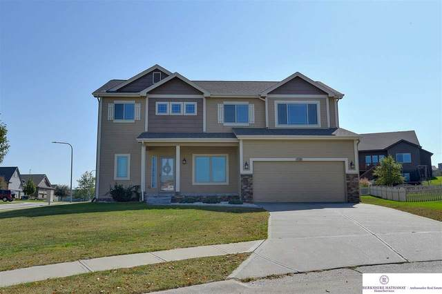 17201 Fowler Circle, Omaha, NE 68116 (MLS #22124602) :: Don Peterson & Associates