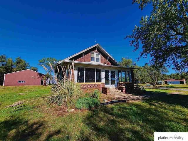628 E Oak Road, Blue Springs, NE 68318 (MLS #22124706) :: Elevation Real Estate Group at NP Dodge