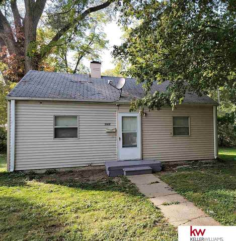 2008 John A Creighton Boulevard, Omaha, NE 68111 (MLS #22124709) :: Catalyst Real Estate Group