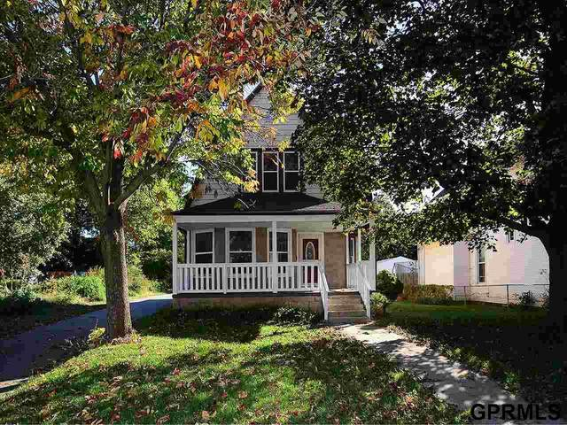 1117 S 31 Street, Omaha, NE 68105 (MLS #22124755) :: Don Peterson & Associates