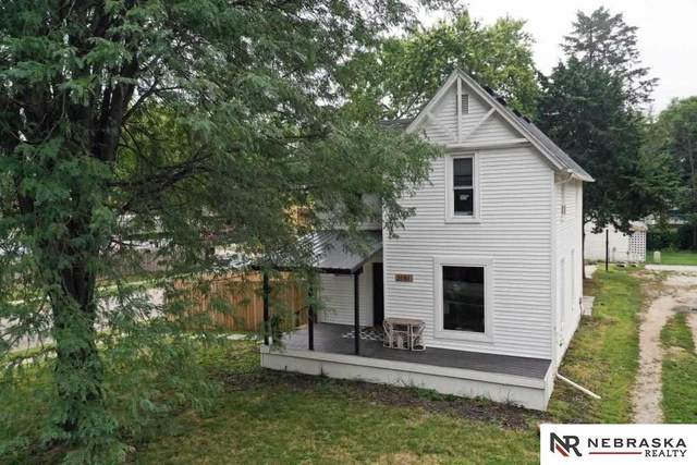 3151 Holdrege Street, Lincoln, NE 68503 (MLS #22124796) :: Lincoln Select Real Estate Group
