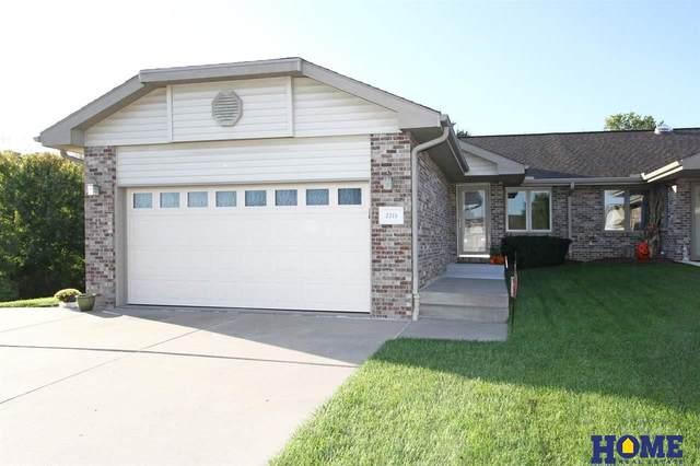 2315 Lynnridge Place, Lincoln, NE 68521 (MLS #22124801) :: Omaha Real Estate Group