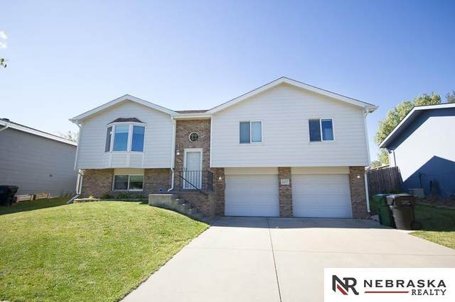 2117 54Th Street, Lincoln, NE 68528 (MLS #22124824) :: Lighthouse Realty Group