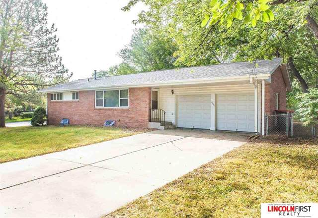 2041 Morningside Drive, Lincoln, NE 68506 (MLS #22124832) :: Lincoln Select Real Estate Group