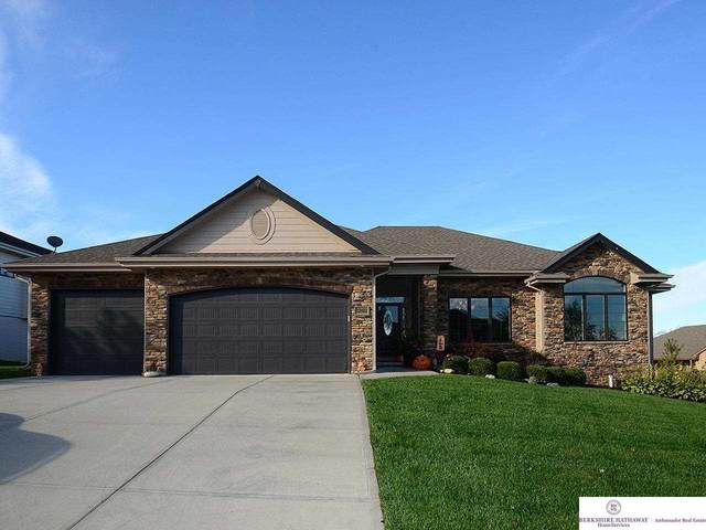 12402 S 81 Avenue, Papillion, NE 68046 (MLS #22124852) :: Omaha Real Estate Group