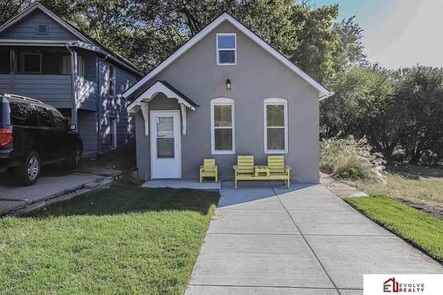 1945 S 28th Street, Omaha, NE 68105 (MLS #22124871) :: Lighthouse Realty Group