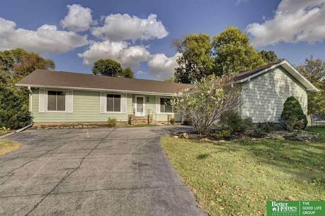 13706 Hickory Circle, Omaha, NE 68144 (MLS #22124912) :: Omaha Real Estate Group