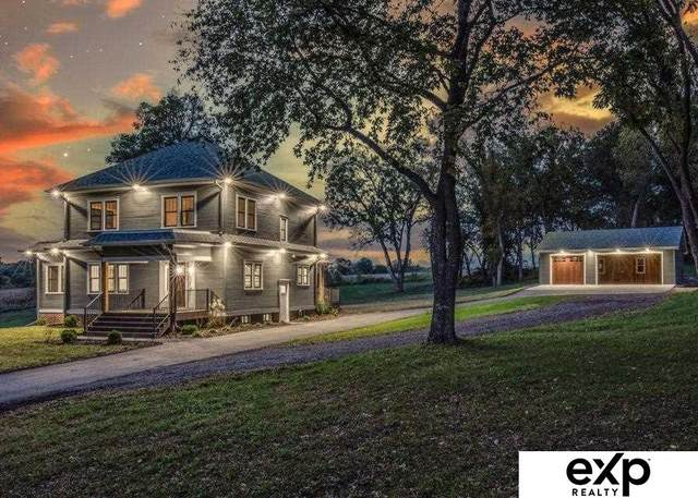 250 Yellow Pole Road, Council Bluffs, IA 51503 (MLS #22124922) :: The Briley Team