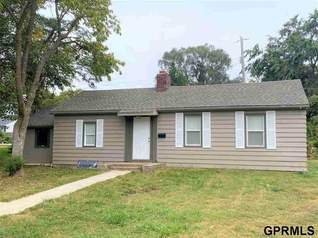 6020 Charles Street, Omaha, NE 68132 (MLS #22124949) :: Lincoln Select Real Estate Group