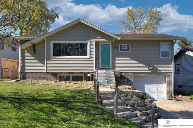 6820 S 49 Street, Omaha, NE 68117 (MLS #22125027) :: Lincoln Select Real Estate Group