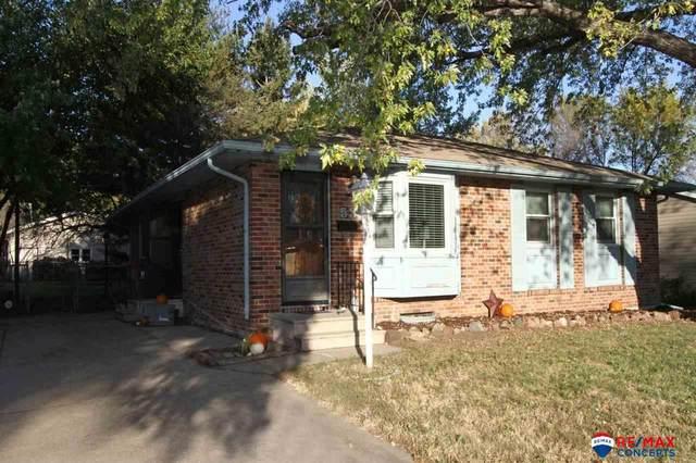 531 NW 8th Street, Lincoln, NE 68528 (MLS #22125097) :: Don Peterson & Associates