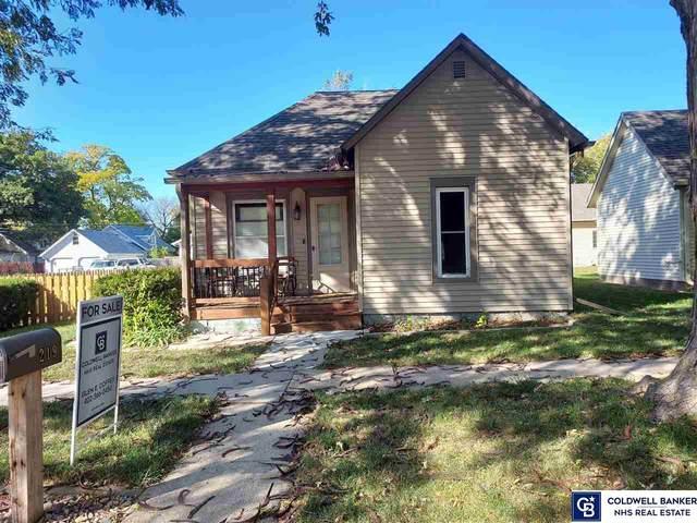 219 N Blackburn Avenue, York, NE 68467 (MLS #22125099) :: Lincoln Select Real Estate Group