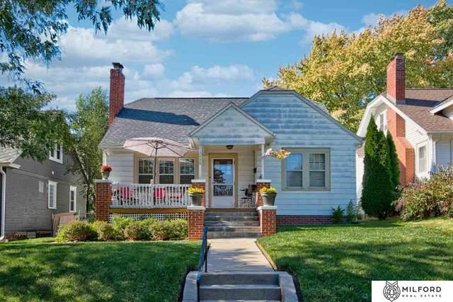 1430 S 52nd Street, Omaha, NE 68106 (MLS #22125184) :: Lincoln Select Real Estate Group