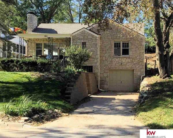 1814 N 59th Street, Omaha, NE 68104 (MLS #22125238) :: Lincoln Select Real Estate Group