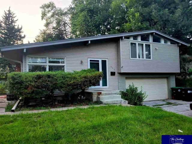 850 Parkwood Lane, Omaha, NE 68132 (MLS #22125244) :: Catalyst Real Estate Group