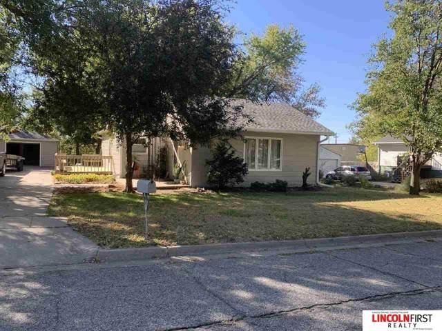 821 W Q Street, Lincoln, NE 68528 (MLS #22125254) :: Don Peterson & Associates