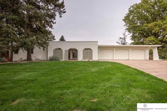 8433 N 47th Street, Omaha, NE 68152 (MLS #22125302) :: Catalyst Real Estate Group