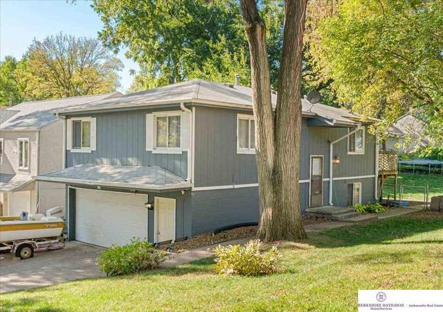 1404 Warren Street, Bellevue, NE 68005 (MLS #22125305) :: Don Peterson & Associates