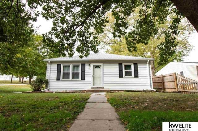1201 N 53rd Street, Lincoln, NE 68504 (MLS #22125321) :: Catalyst Real Estate Group