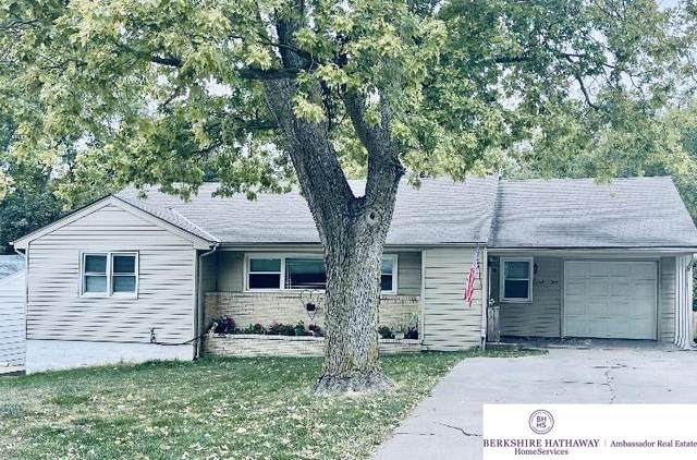 1802 Madison Street, Bellevue, NE 68005 (MLS #22125339) :: Omaha Real Estate Group