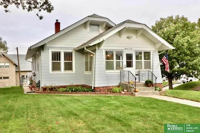 1102 S 43rd Street, Omaha, NE 68105 (MLS #22125358) :: Catalyst Real Estate Group